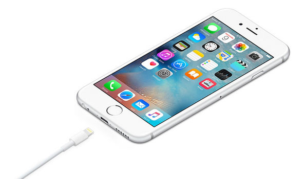 Защо фалшивите Lightning кабели убиват iPhone?